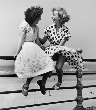Bert Hardy, Maidens in Waiting, 1951