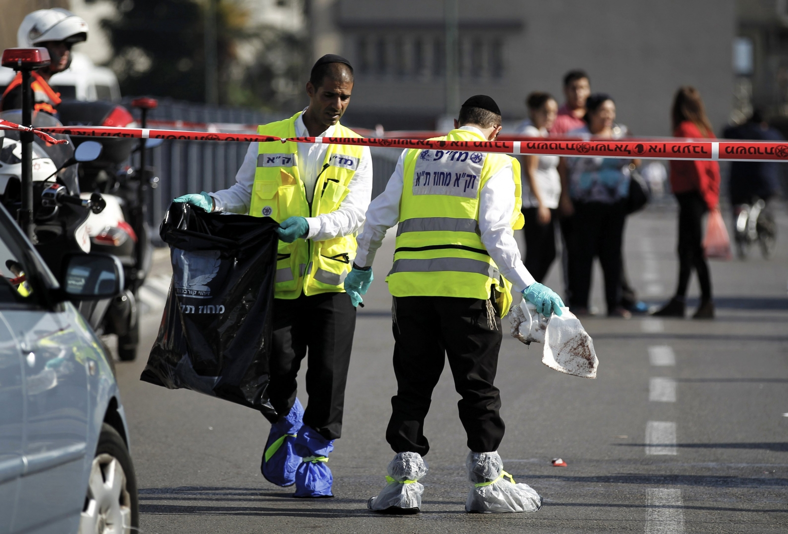 Israeli Stabbed in Suspected Palestinian Attack in Tel Aviv