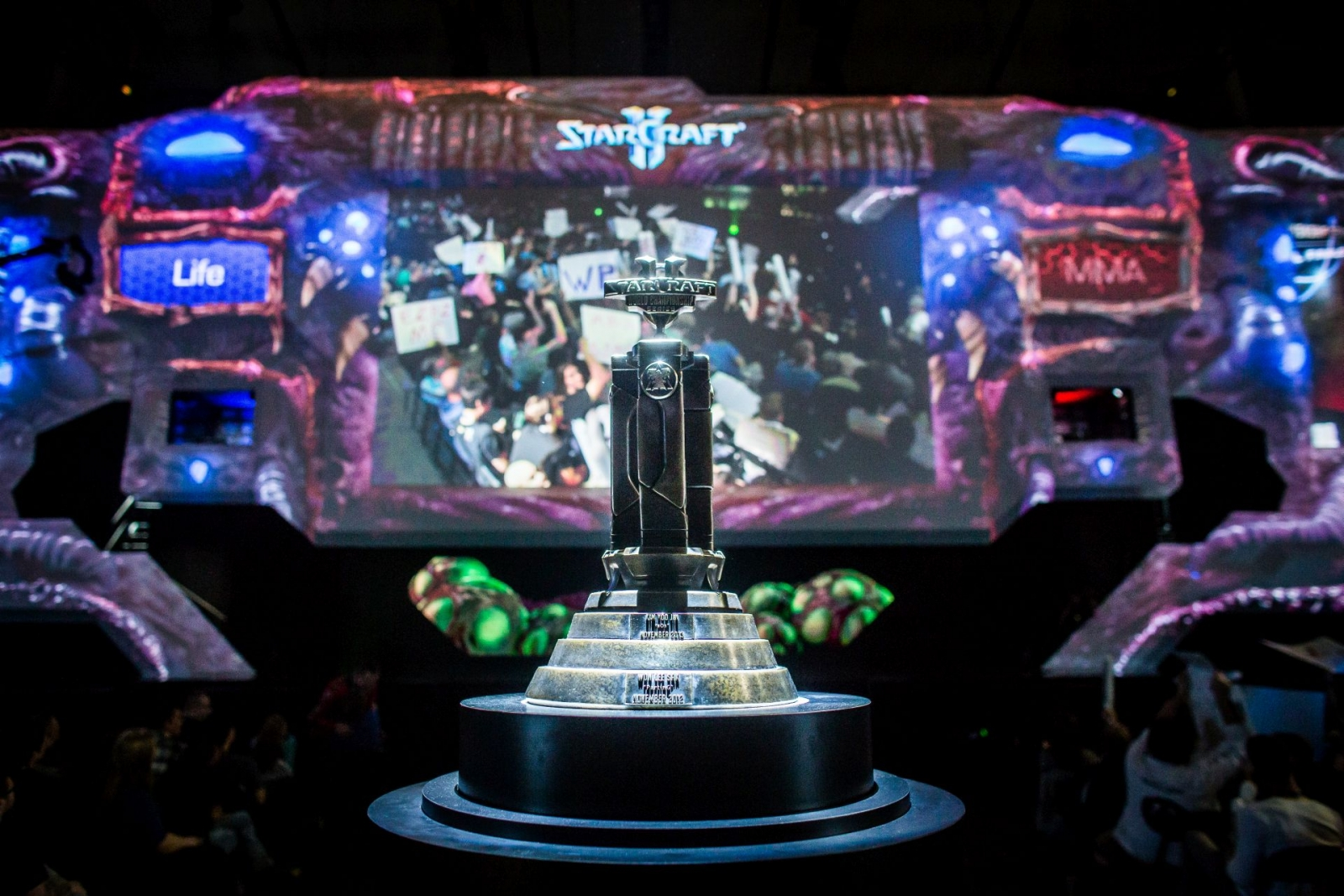 Blizzcon 2014 Starcraft 2 World Championship Series trophy on display