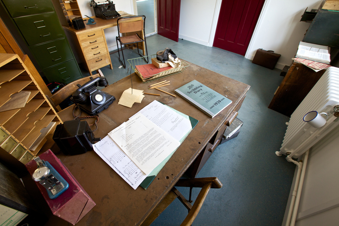 A recreation of Alan Turing's office, including his mug, chained to the radiator behind his desk