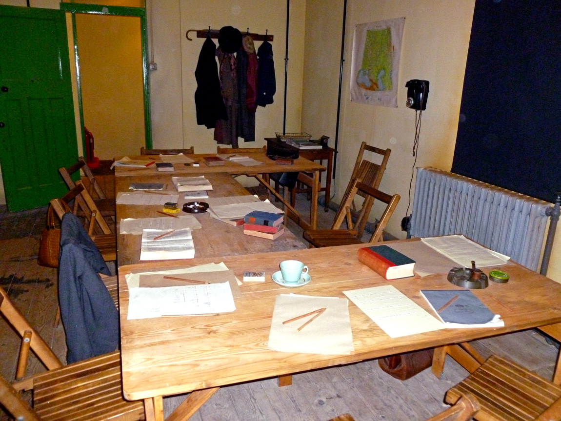 A room in Hut 3 where translation of decoded army and air force Enigma messages and intelligence gathering occured