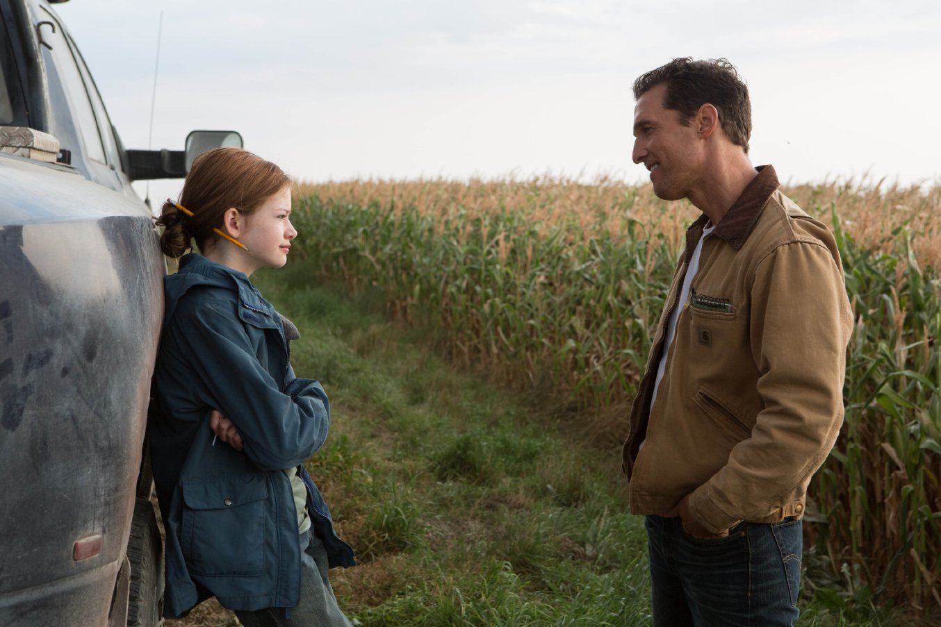 Still of Matthew McConaughey and Mackenzie Foy in Interstellar