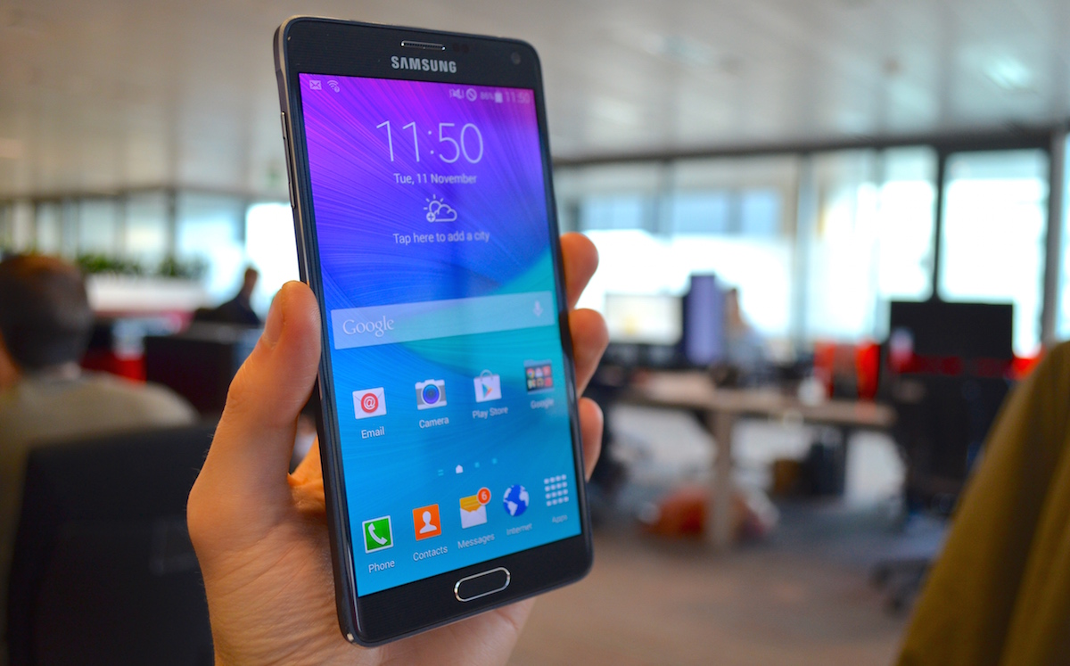 Samsung Galaxy Note 4 Review: World's Best Phablet Gets a Smart New Suit