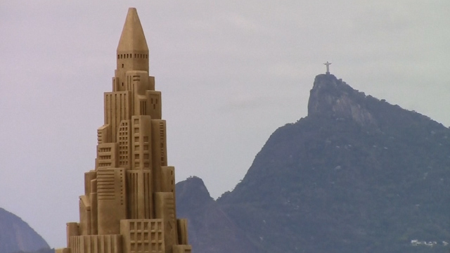 Enthusiasts Hope to Break World Record for Largest Sand Castle