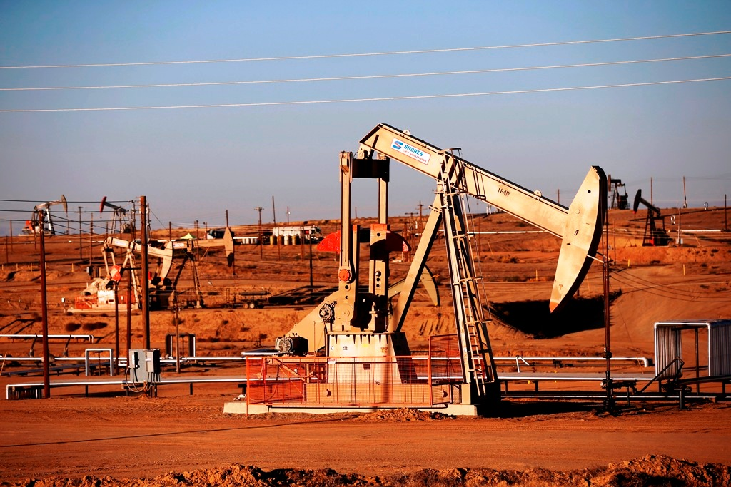 Oil sheds over 1% on dismal China data and Morgan Stanley's Brent forecast