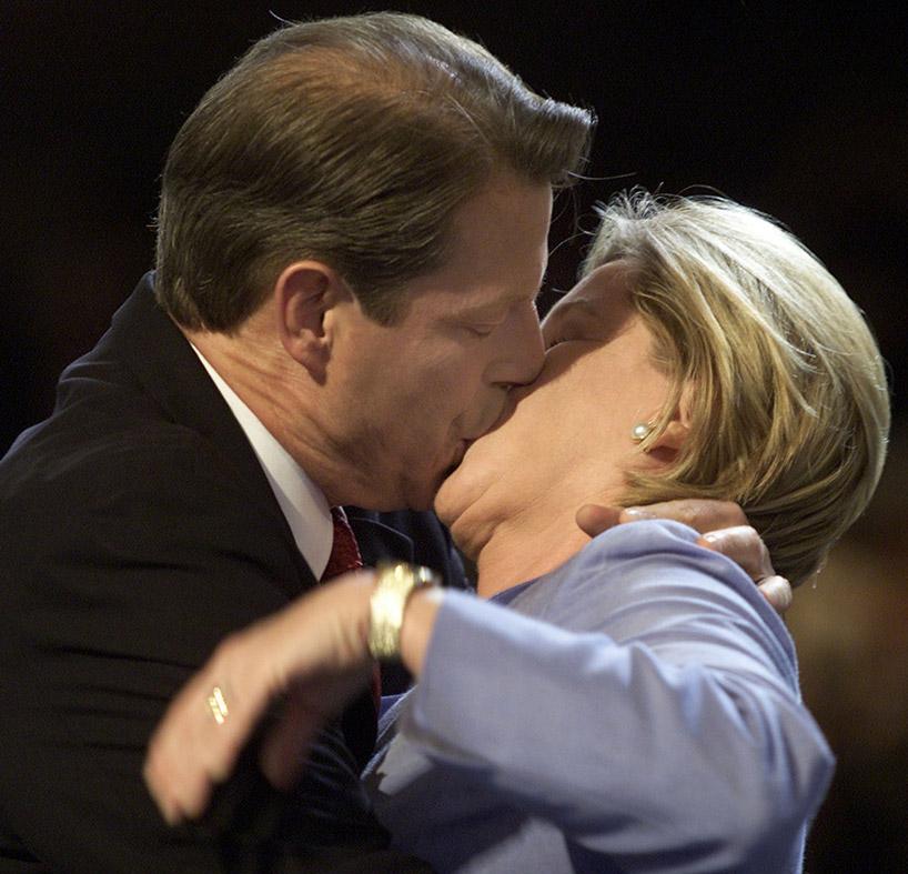 gore tipper kiss