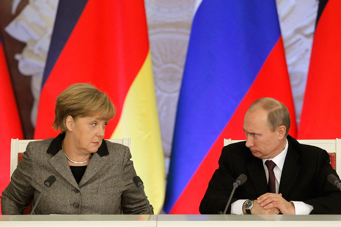 merkel putin awkward photo politics