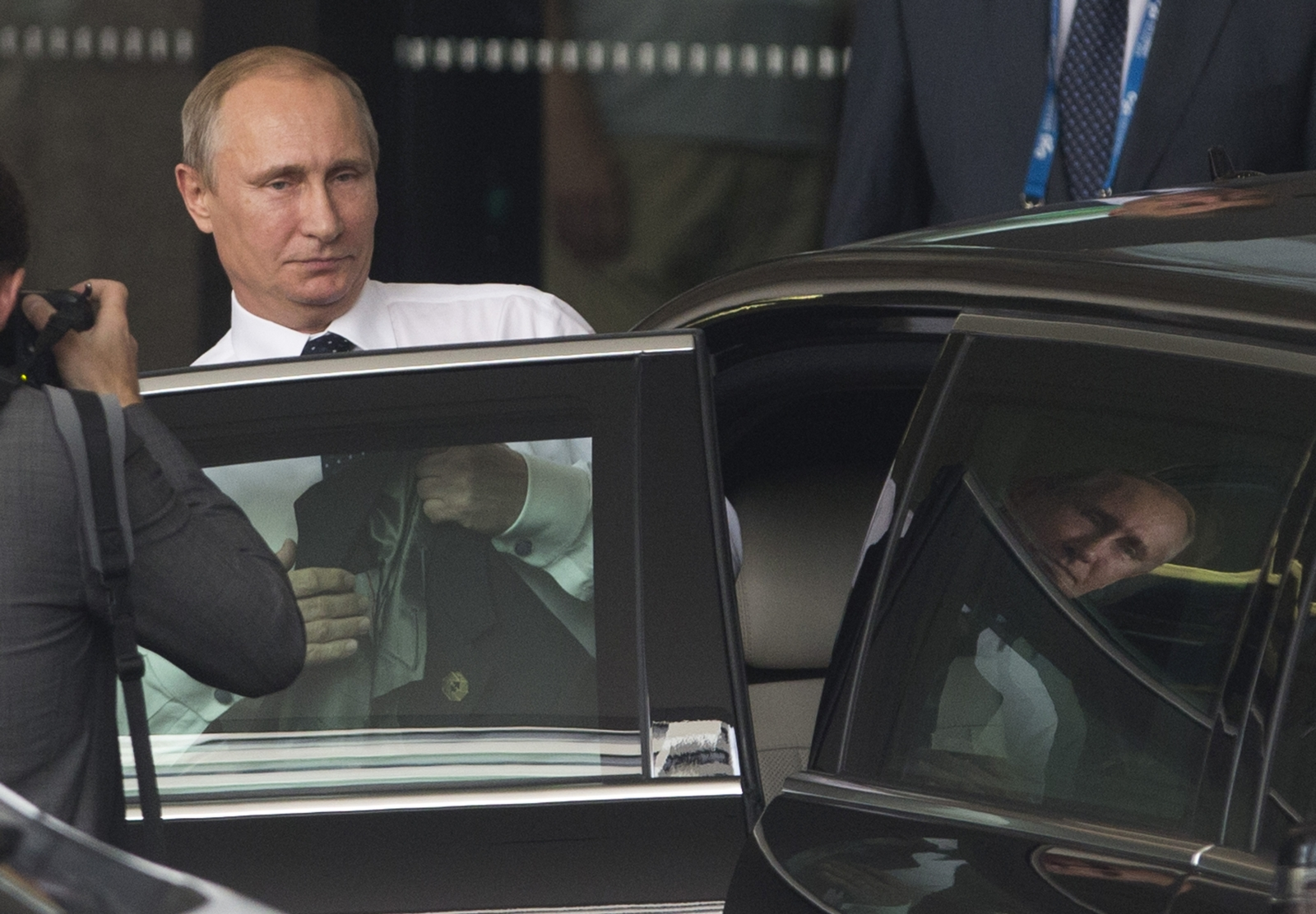 Russian president Vladimir Putin leaves G20 summit early