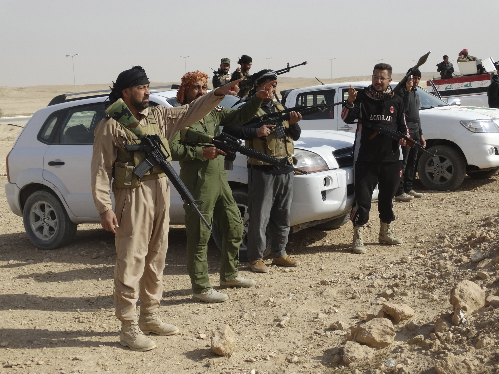 Iraq says planes from 'some countries' delivering weapons to Isis violating Baghdad's airspace