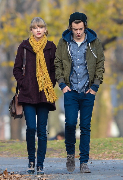 There are Guy From Taylor Direction Dating Swift One Stapler Comfort Sulcus