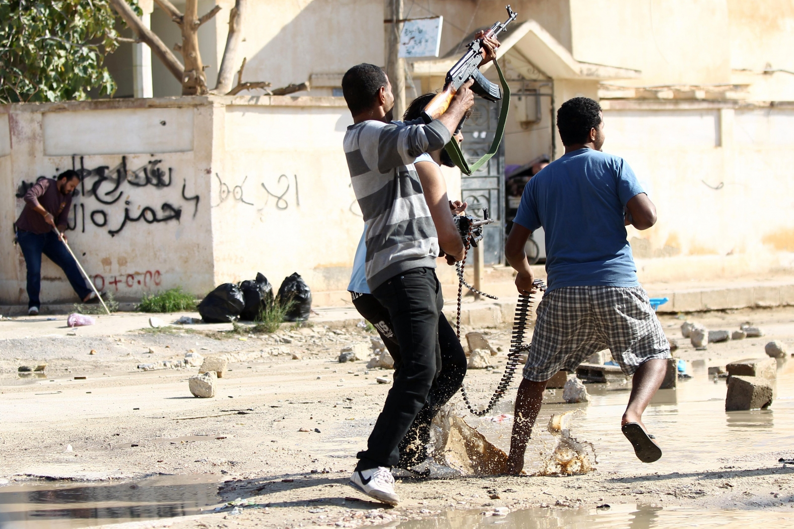 Fighting rages in Benghazi last month. (Getty)