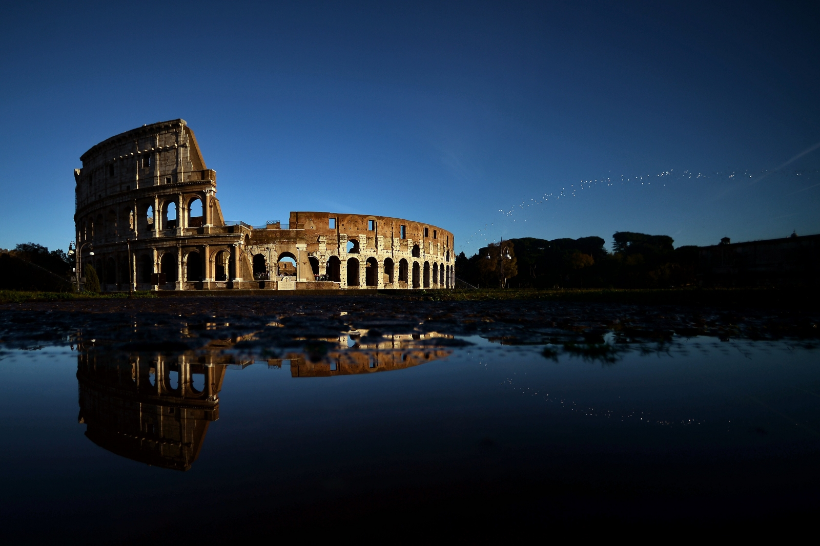 The Colosseum is the largest amphitheater in the world and is considered to be Rome´s most popular tourist attraction