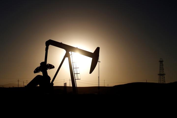 oil price fell below $60 a barrel