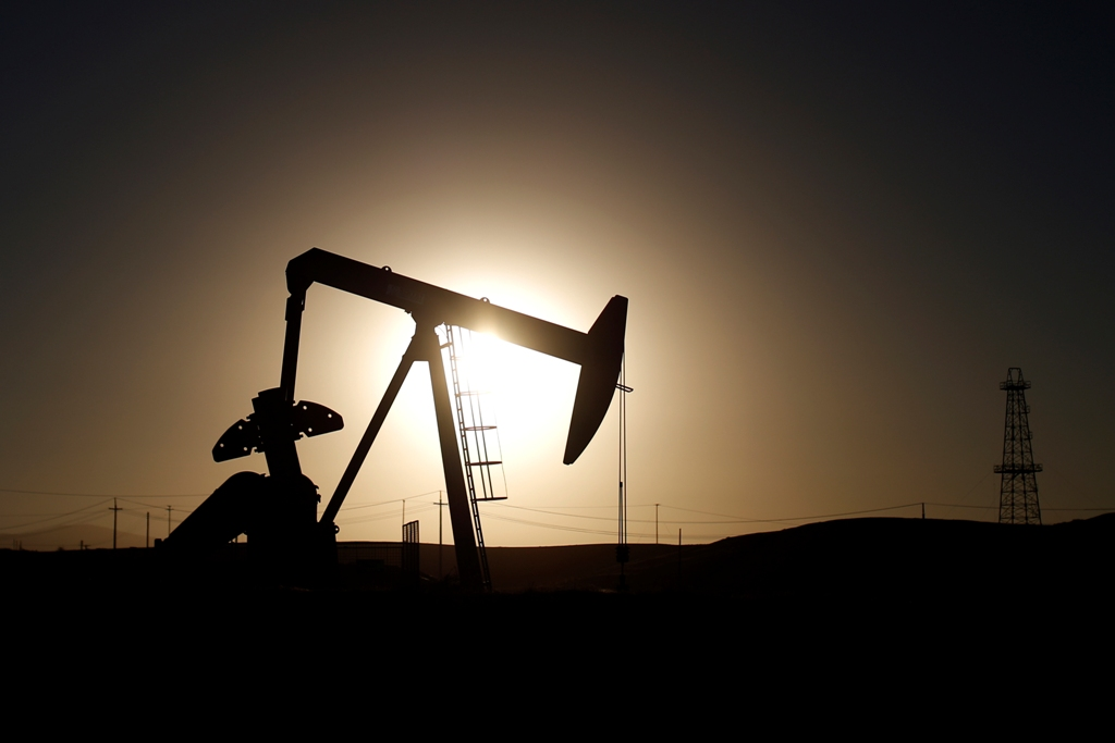oil price fell below $60 a barrel