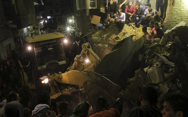 12 killed in Cairo building collapse