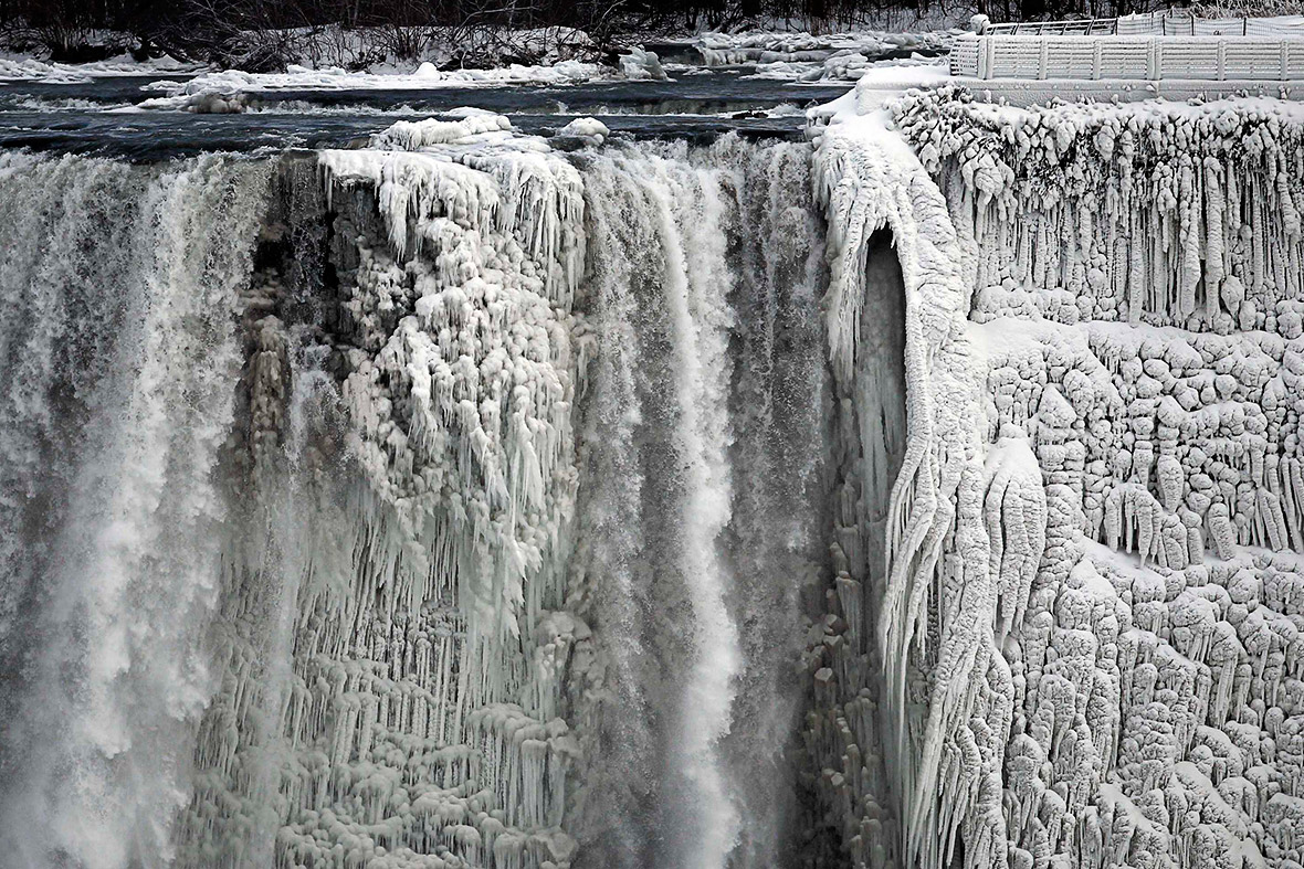 pictures of the year: Niagara Falls frozen