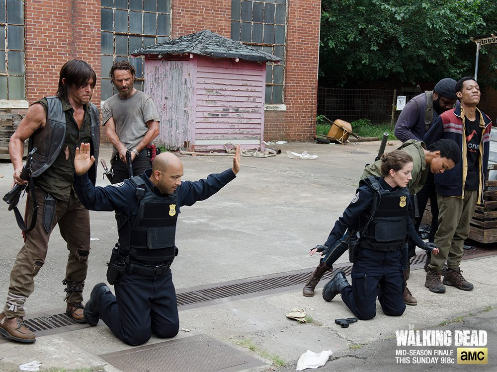 The Walking Dead Heart Breaking Mid Season Finale: Will Carol's Death Makes Daryl Cry Inconsolably During Filming?