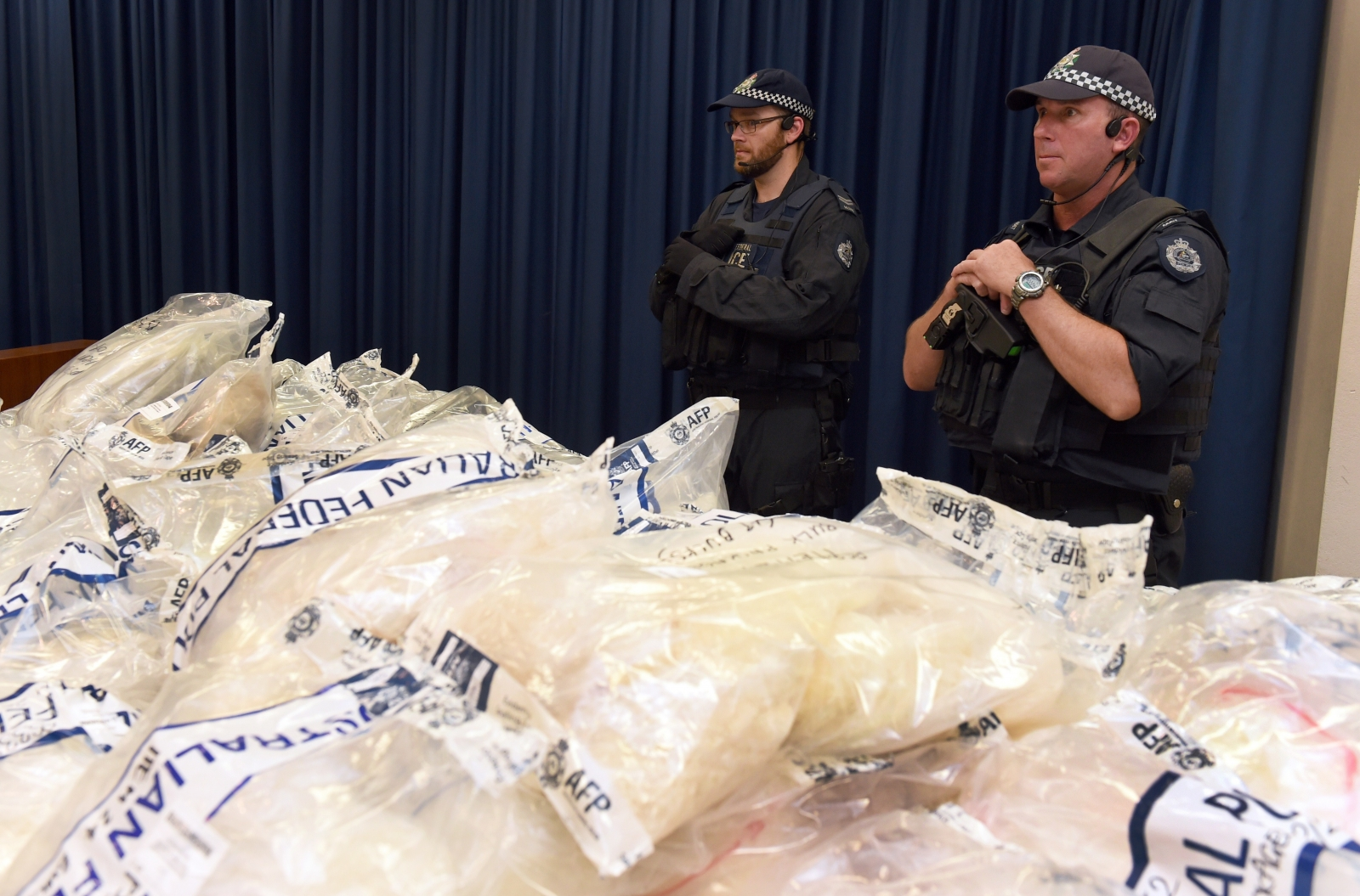 Australian police guard the seized drugs (WILLIAM WEST/AFP/Getty Images)