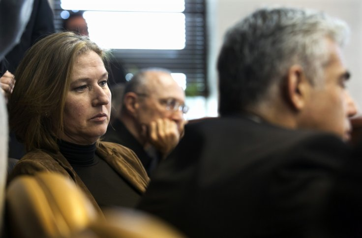 Israel's Justice Minister Tzipi Livni (L) and Finance Minister Yair Lapid (R)