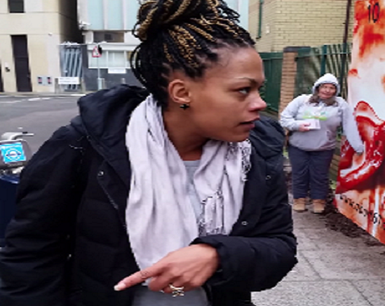 Woman gives anti-abortion protesters a piece of her mind