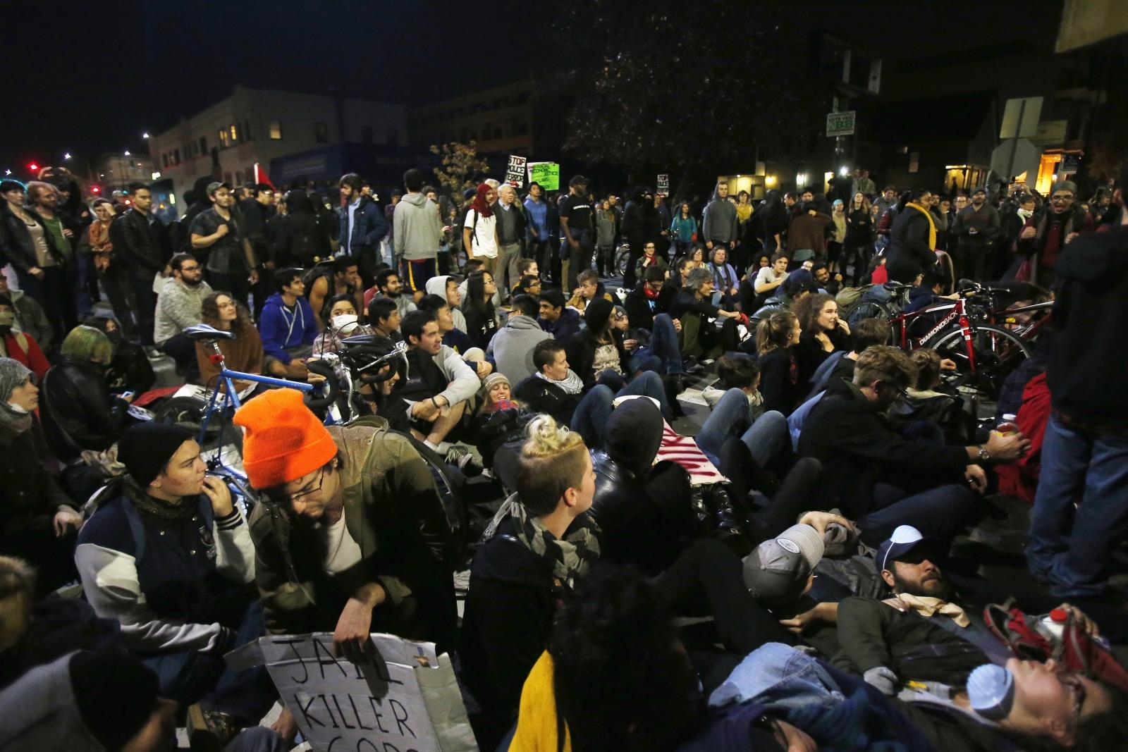 Eric Garner Death: Berkeley Protesters clash with Police