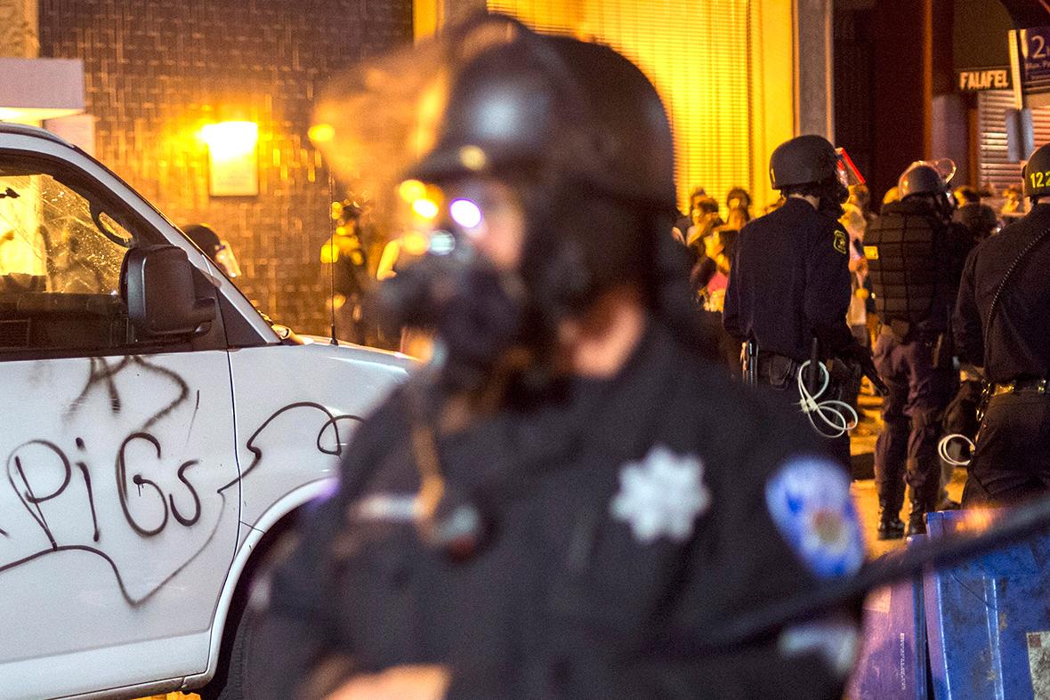 berkeley police violence protest