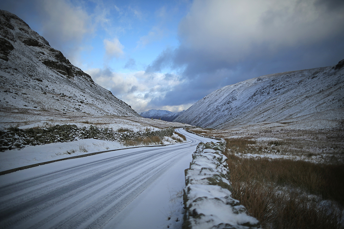Uk Weather Parts Of Scotland And Northern England Blanketed With Snow Photos