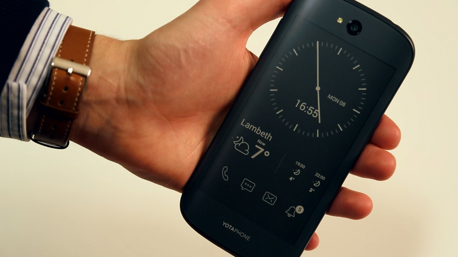 Yotaphone 2: Are dual-screened smartphones the future?