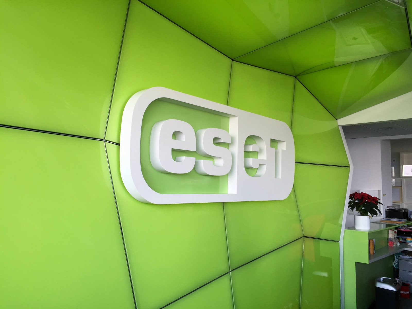 Eset Cyber Security Centre - Debunking Hollywood Hackers