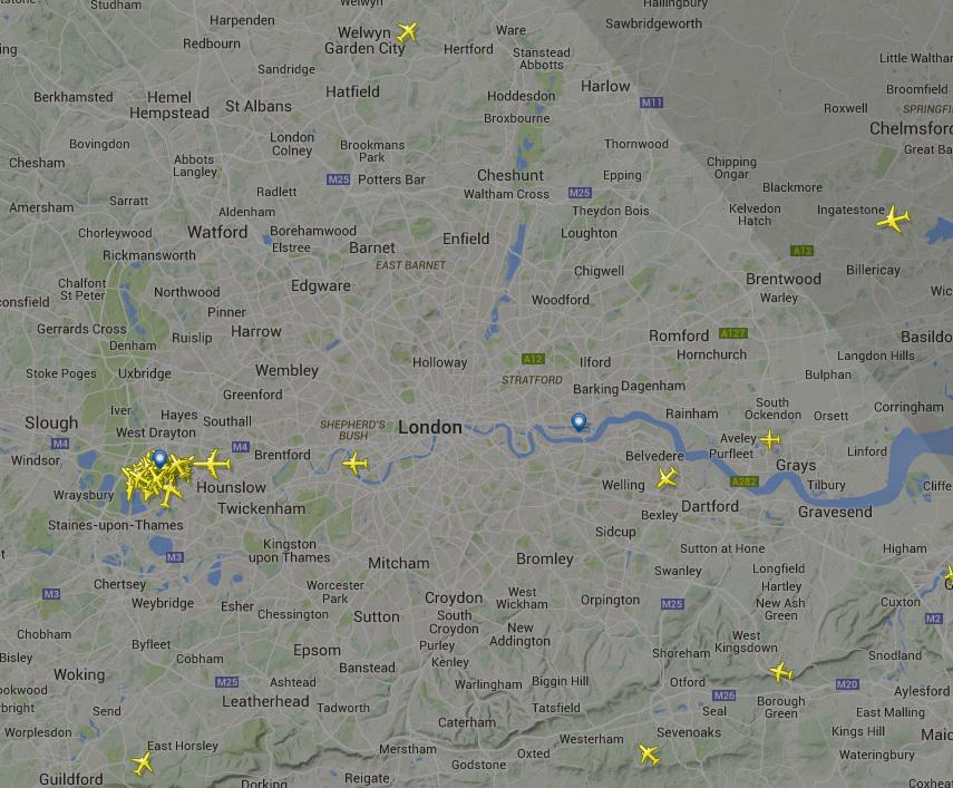 No planes flying over London as shown by Flightradar24