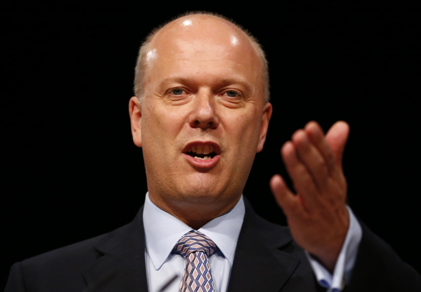 Transport Secretary Chris Grayling announces Heathrow Airport expansion