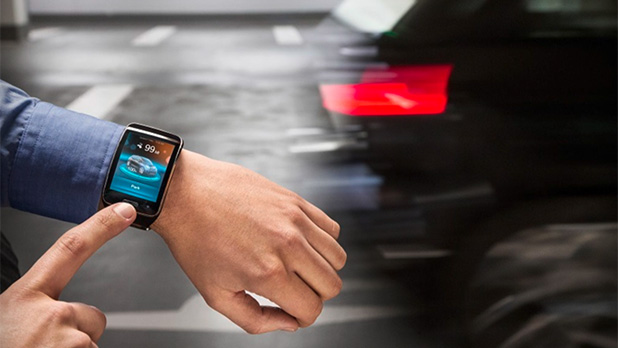 BMW i3 remote parking smartwatch app
