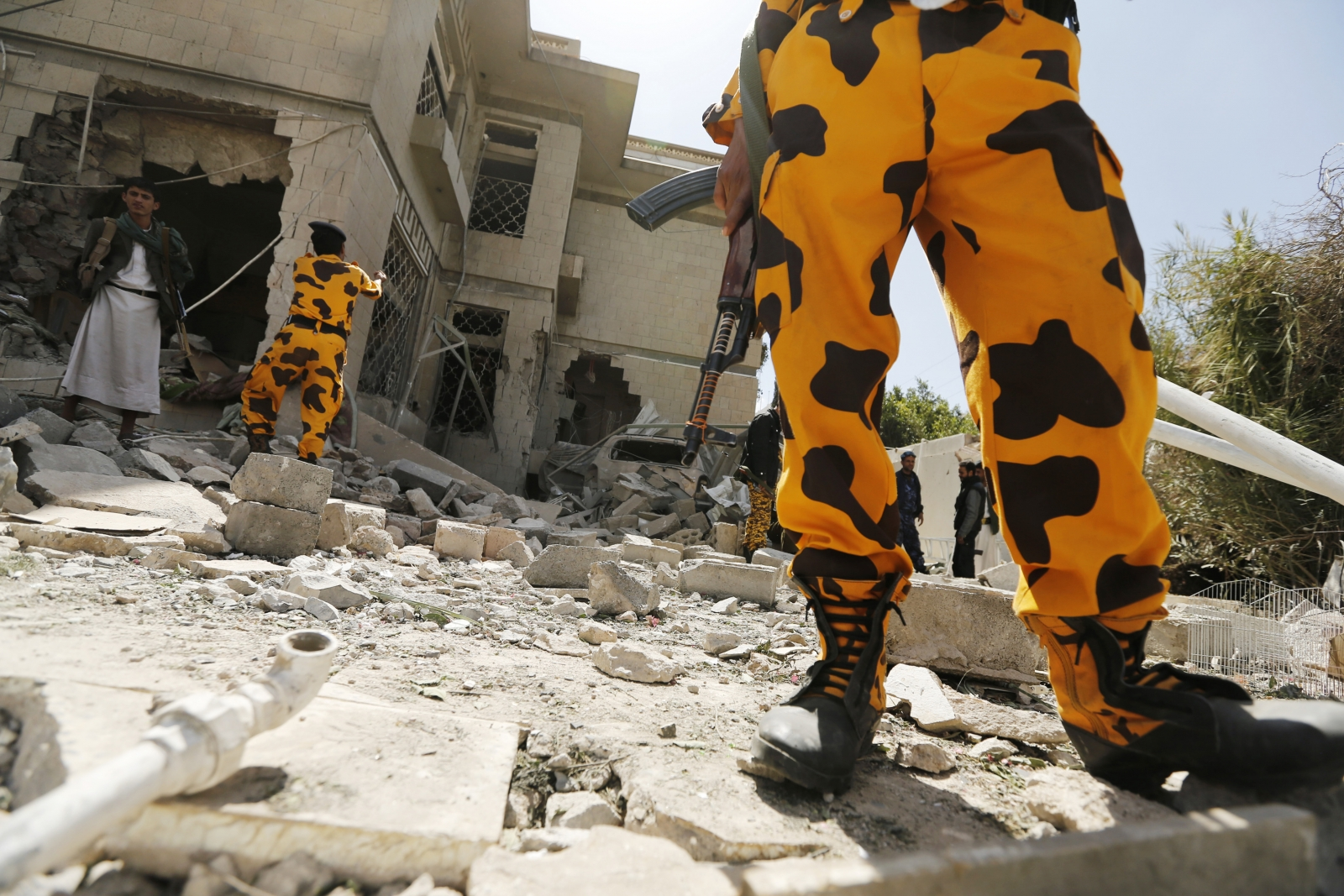 Yemen car bomb