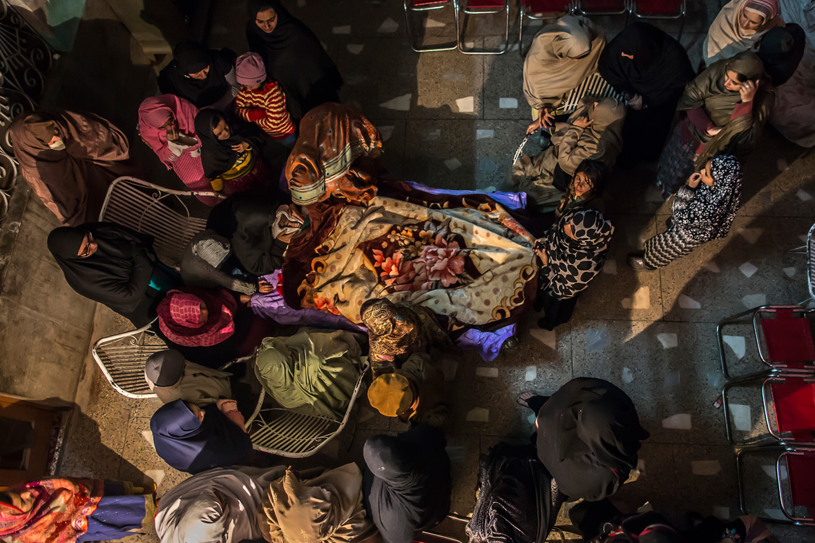 peshawar mourners