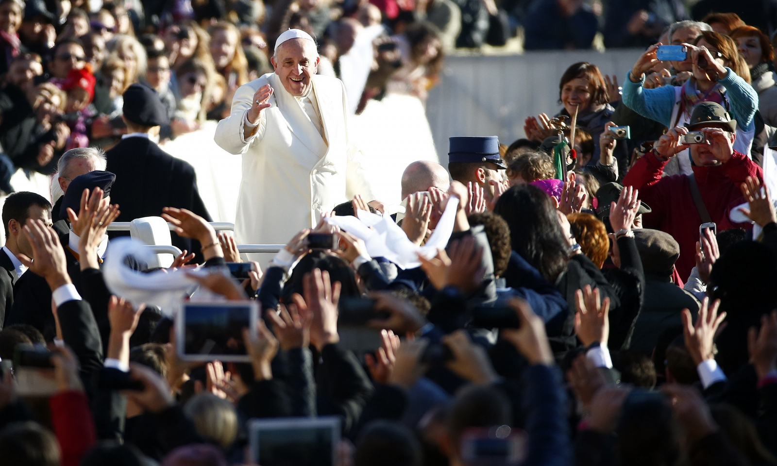 Crowd serenades Pope Francis with a song and tango on his 78th birthday