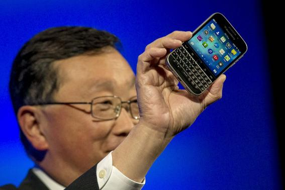 BlackBerry CEO: Developers shoudl be forced to create apps for BlackBerry