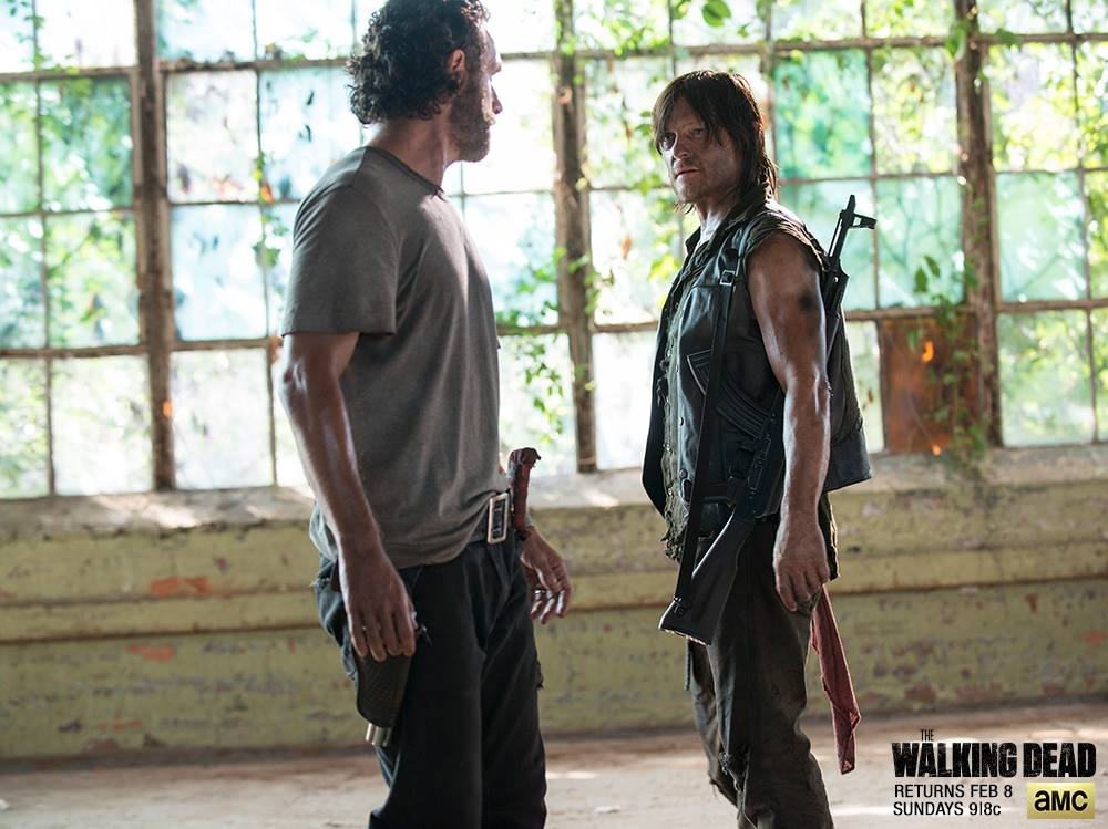 Walking Dead Season 5 Episode 9 scene leaked: Watch Rick Grimes, Michonne and Glen save Noah from waklers
