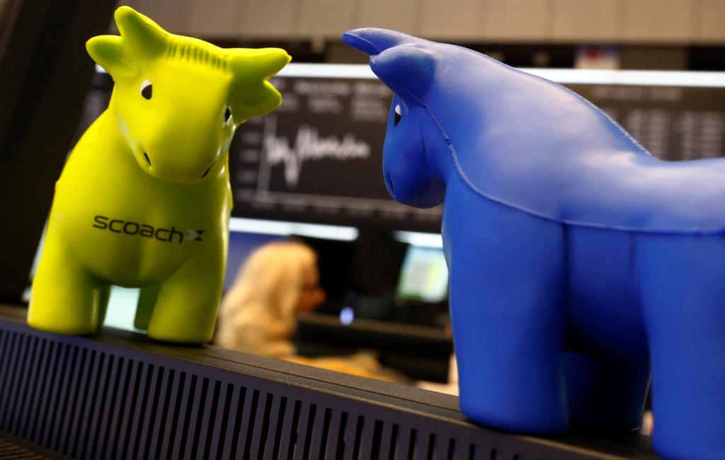 Foam Bull Figurines