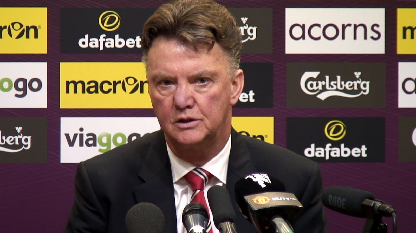 Louis van Gaal: Manchester United not capable of challenging for Premier League title