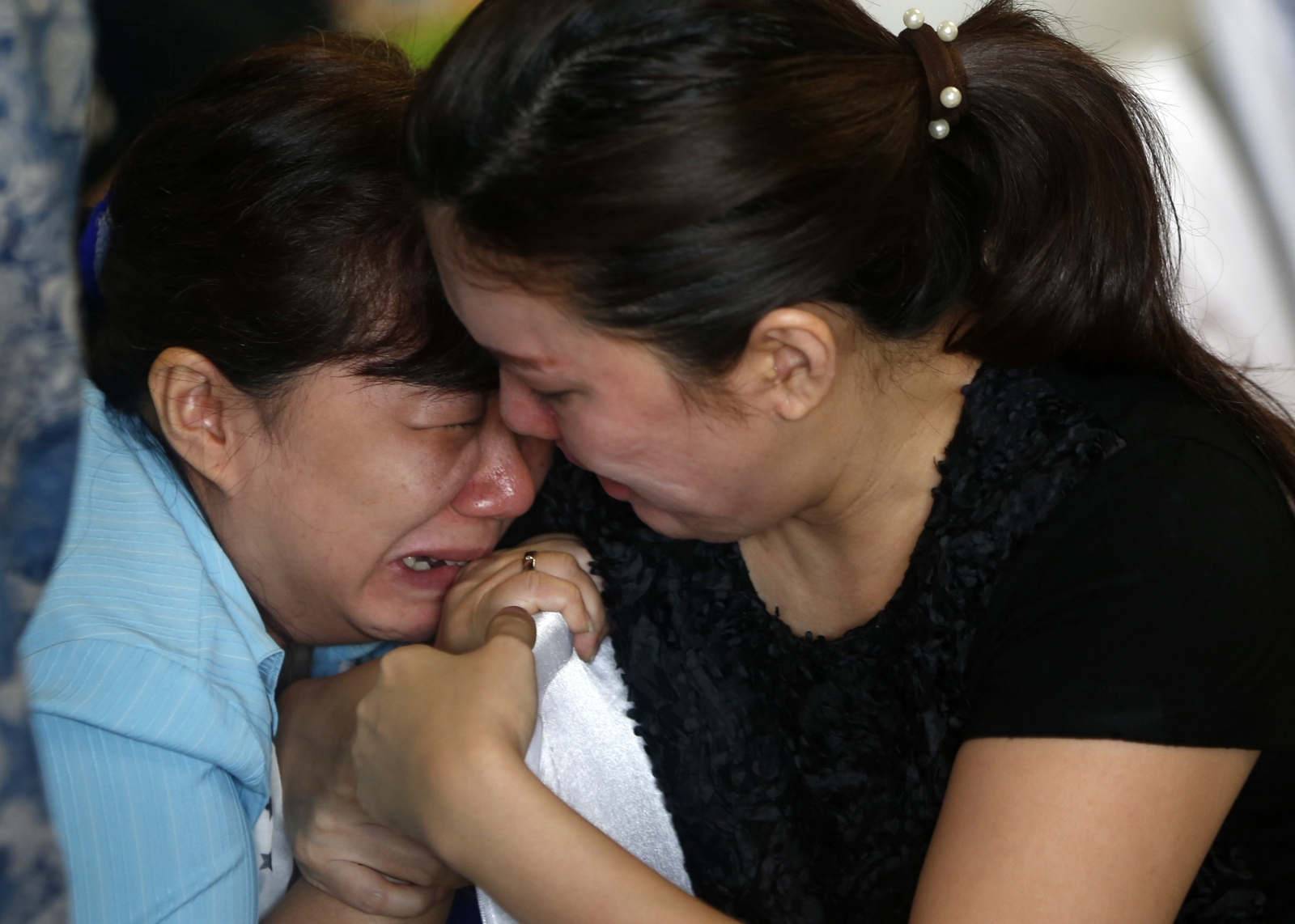 Missing Air Asia flight QZ8501 live coverage