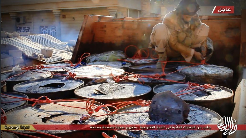 IS militants prepare a truck bomb for the Dhuluiya offensive