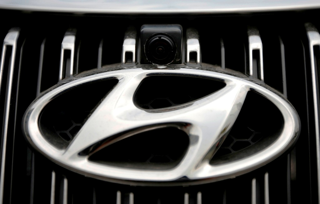 Hyundai Motor shares drop as fourth quarter profit tanks 19%