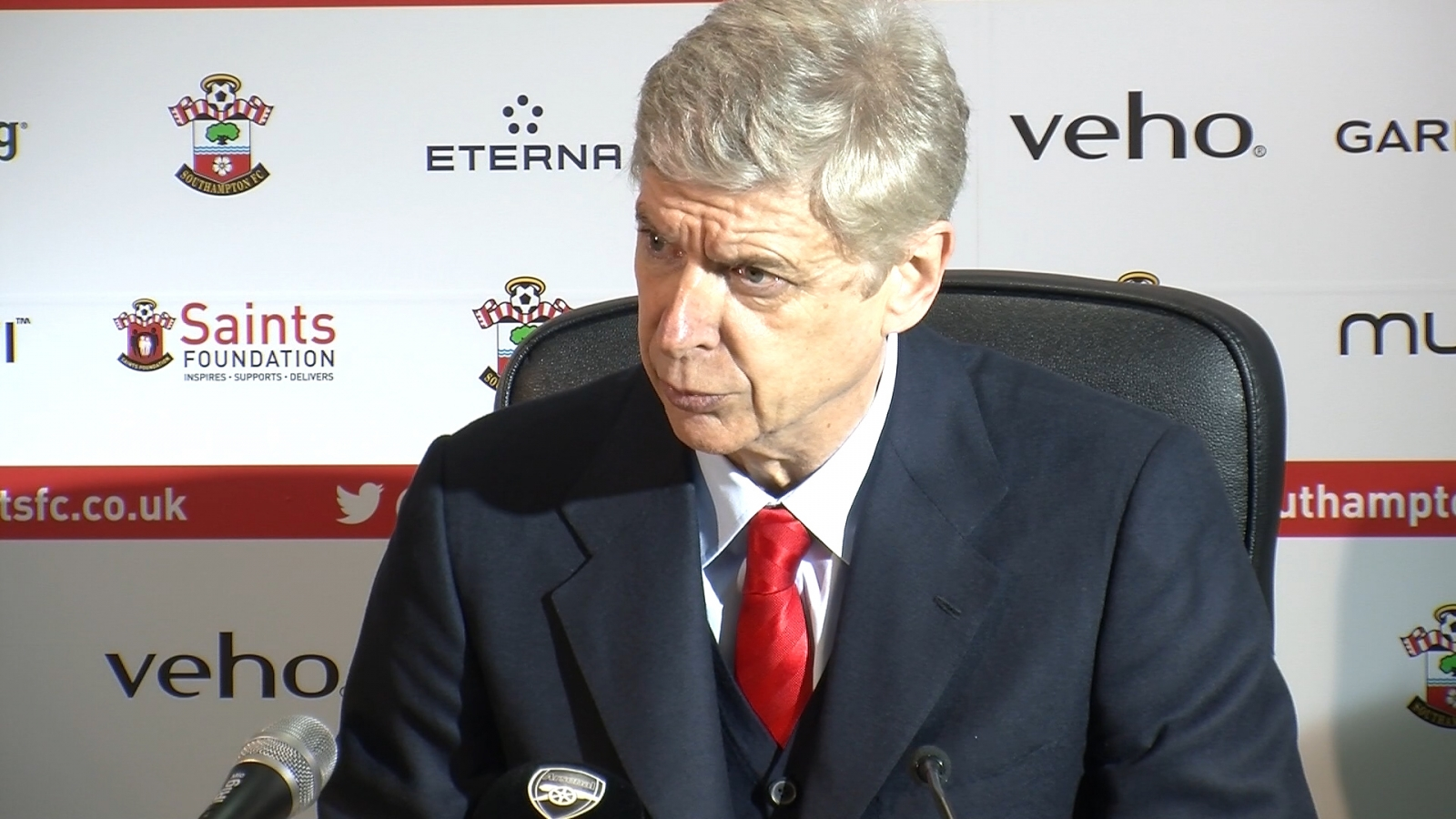Arsene Wenger talks about fan who confronted him during Southampton loss