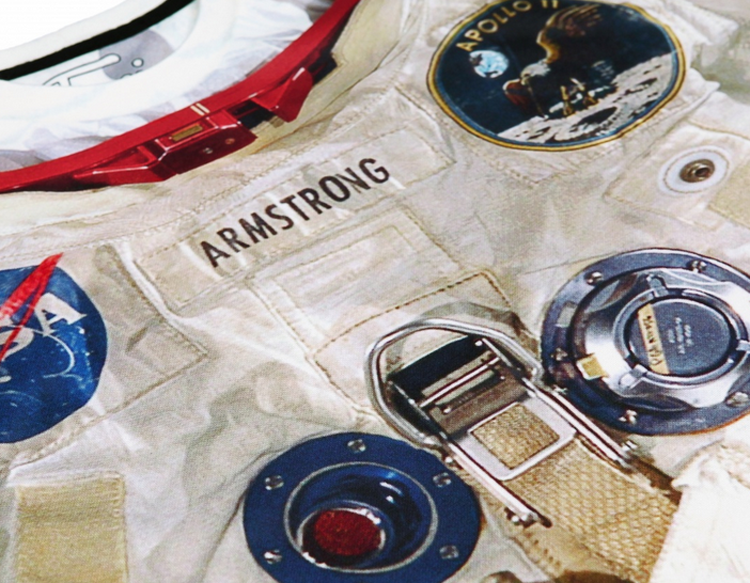 Ryan Gosling dons personalised space suit as he promotes ... |Neil Armstrong Suit Badge