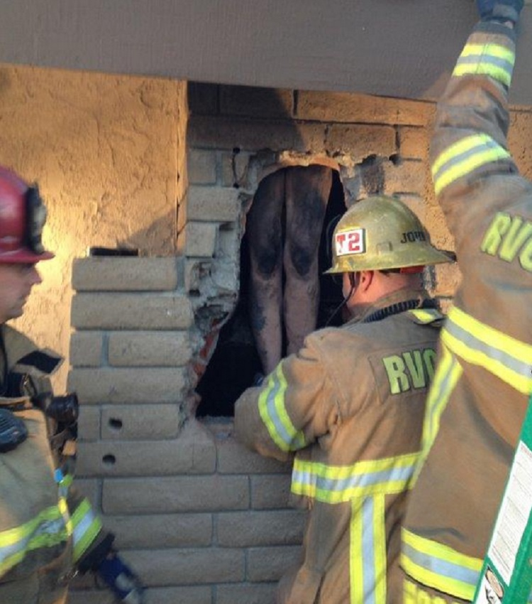 naked woman stuck in chimney