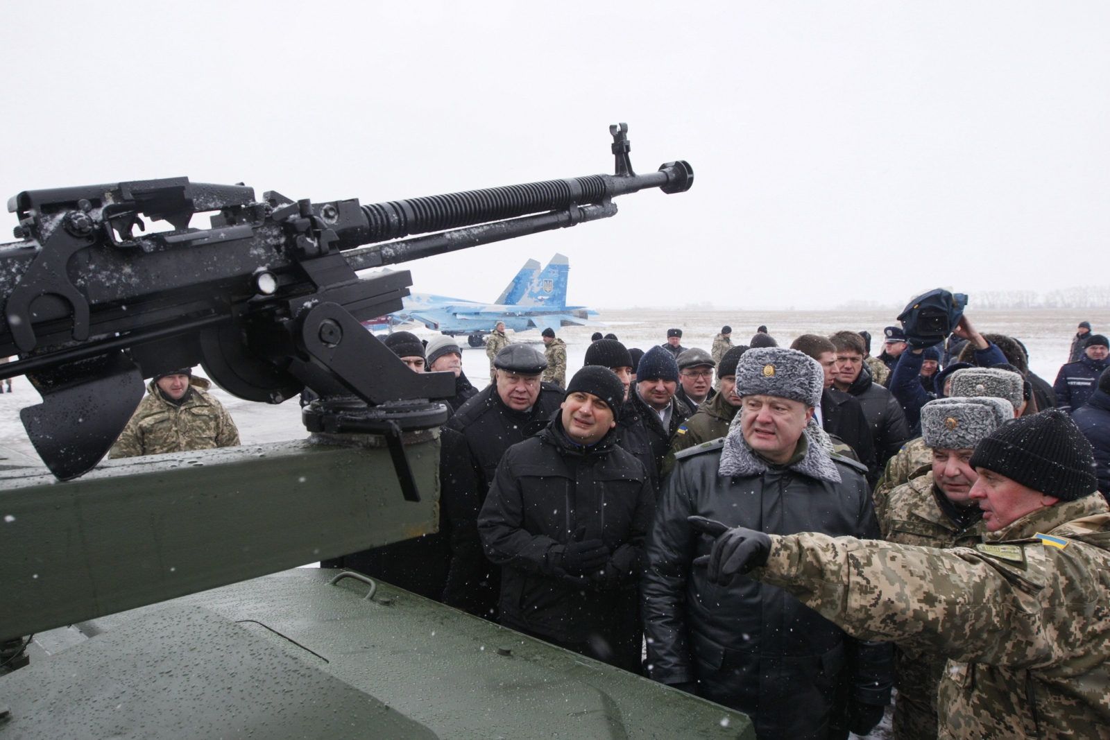 Ukraine gearing up for war alongside peace talks