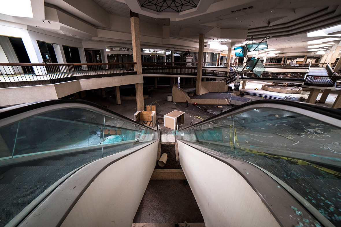 Randall Park Mall Johnny Joos Haunting Photographs Of Ohios - 30 haunting images abandoned shopping malls