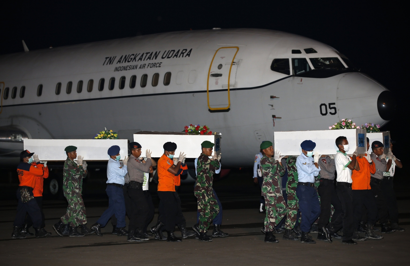 Indonesia official says 'pings' detected in search for AirAsia flight recorders