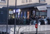 Paris grocery siege: French forces storm supermarket