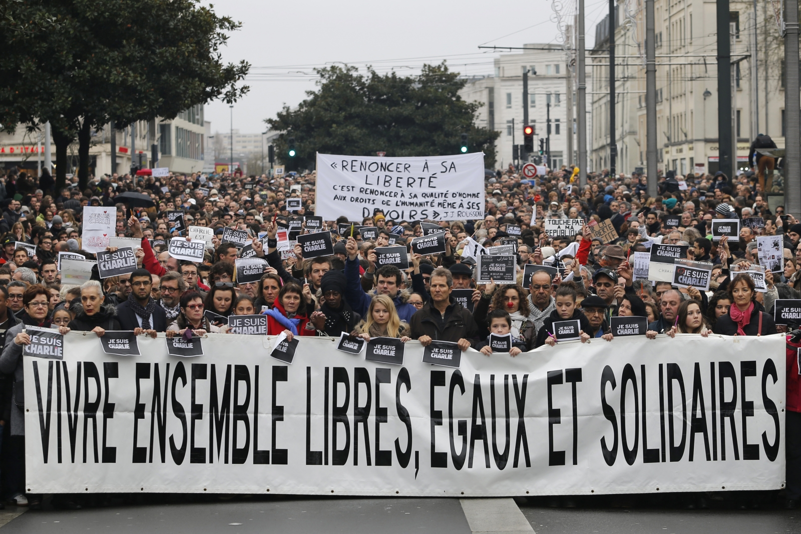 Paris rally against extremism